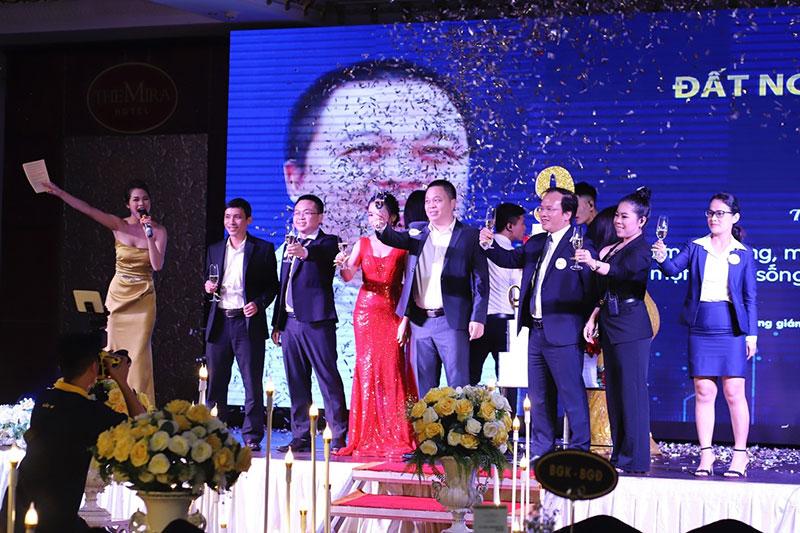 Khép lại đêm tiệc NIGHT OF 9 thành công rực rỡ - Mừng kỷ niệm 9 năm thành lập Đất Nguồn Group